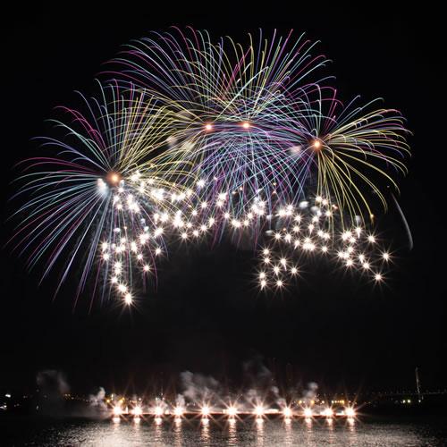 名古屋港で見られる花火
